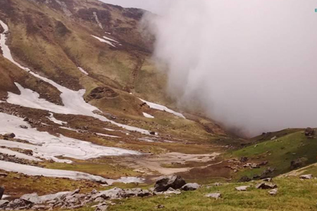 trekking-mandani-valley